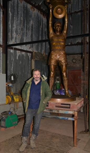 John McKenna himself with Billy McNeill statue at Celtic FC Parkhead stadium by John McKenna Sculptor a4a.co.uk ayrshire Scotland