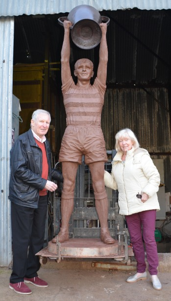 Billy McNeill statue at Celtic FC Parkhead stadium by John McKenna Sculptor a4a.co.uk ayrshire Scotlandl with Liz and Billy McNeill