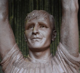 jBilly McNeill statue at Celtic FC Parkhead stadium by John McKenna Sculptor a4a.co.uk ayrshire Scotland clay portrait